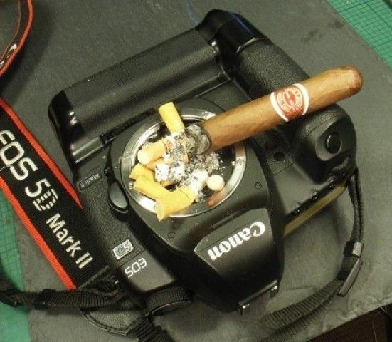 Canon-EOS-5D-Mark-II-ash-tray